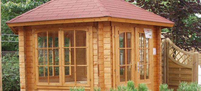 Durch einen Holzpavillon Ihren Garten neu erleben: Mit Ihrem Holzfachhandel in Erbach bei Michelstadt im Odenwald Durch einen Holzpavillon Ihren Garten neu erleben Gartenpavillons sind rund um Erbach